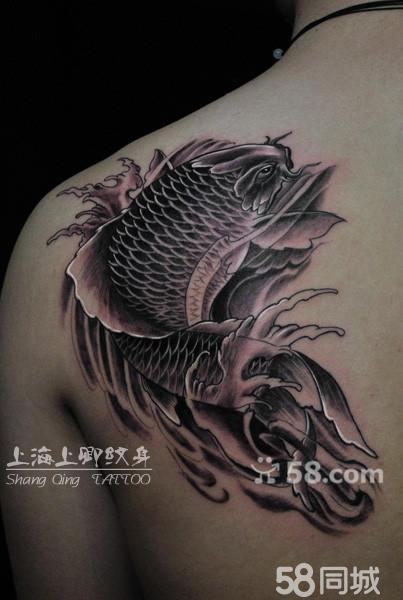 传统鲤鱼纹身