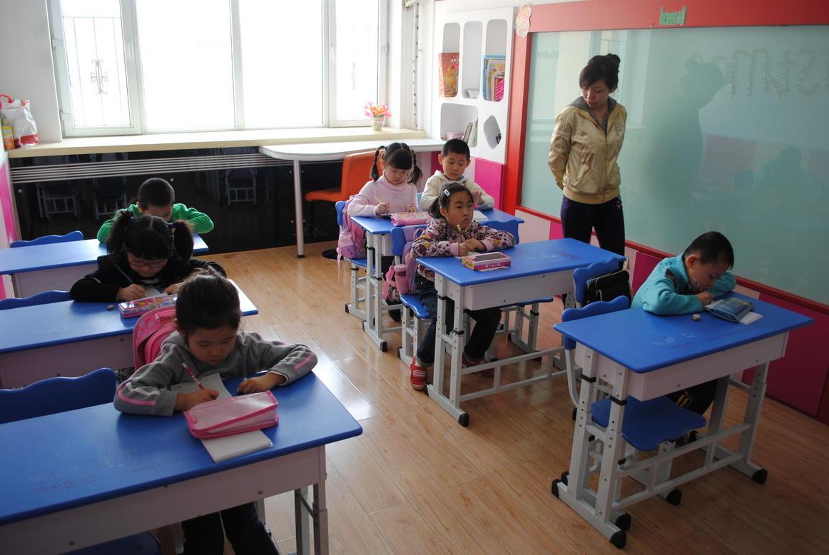 尼少儿英语培训学校